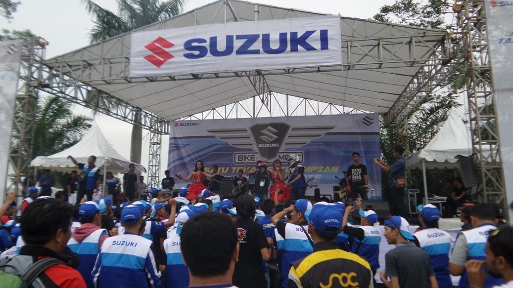 3be6c-suzuki-bike-meet.jpg
